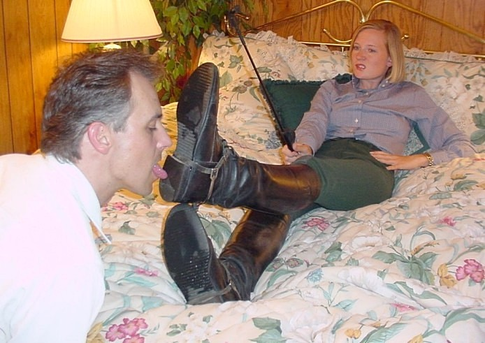 Lick wifes boots — img 14